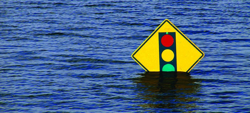 Schild im Wasser | © Kelly Sikkema